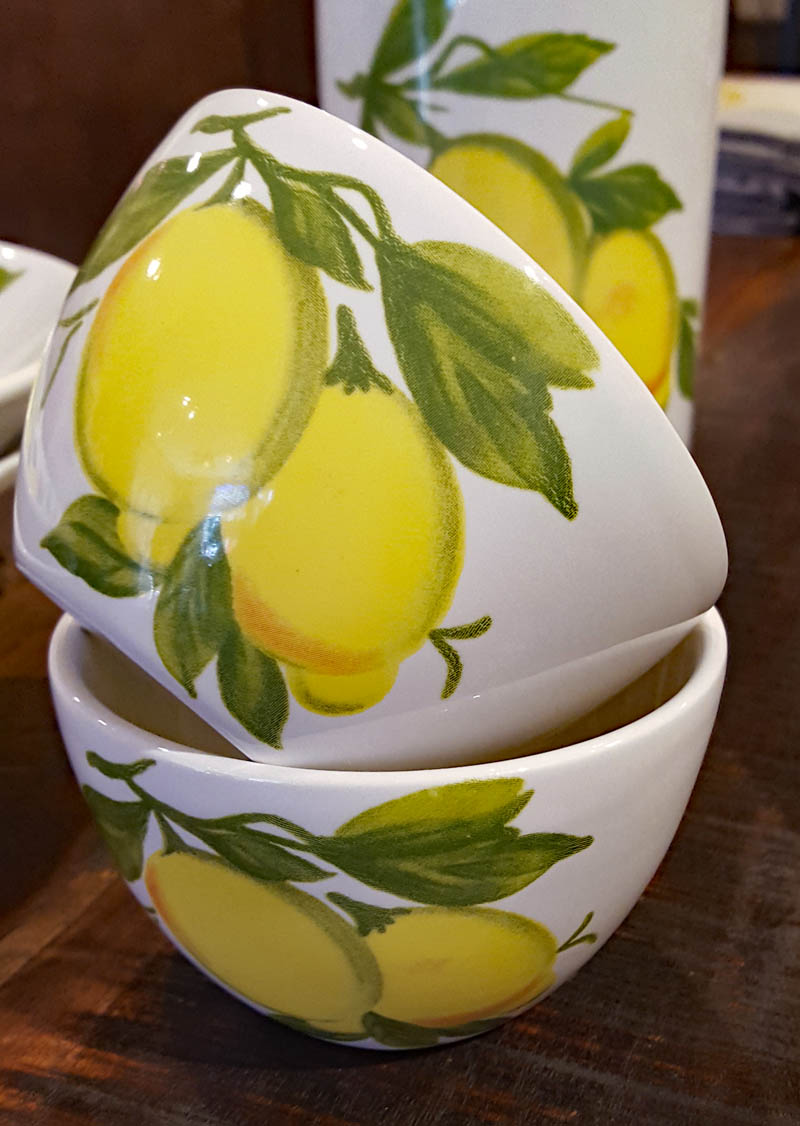 "4 1/2"" Lemon mini bowls (Italy)"