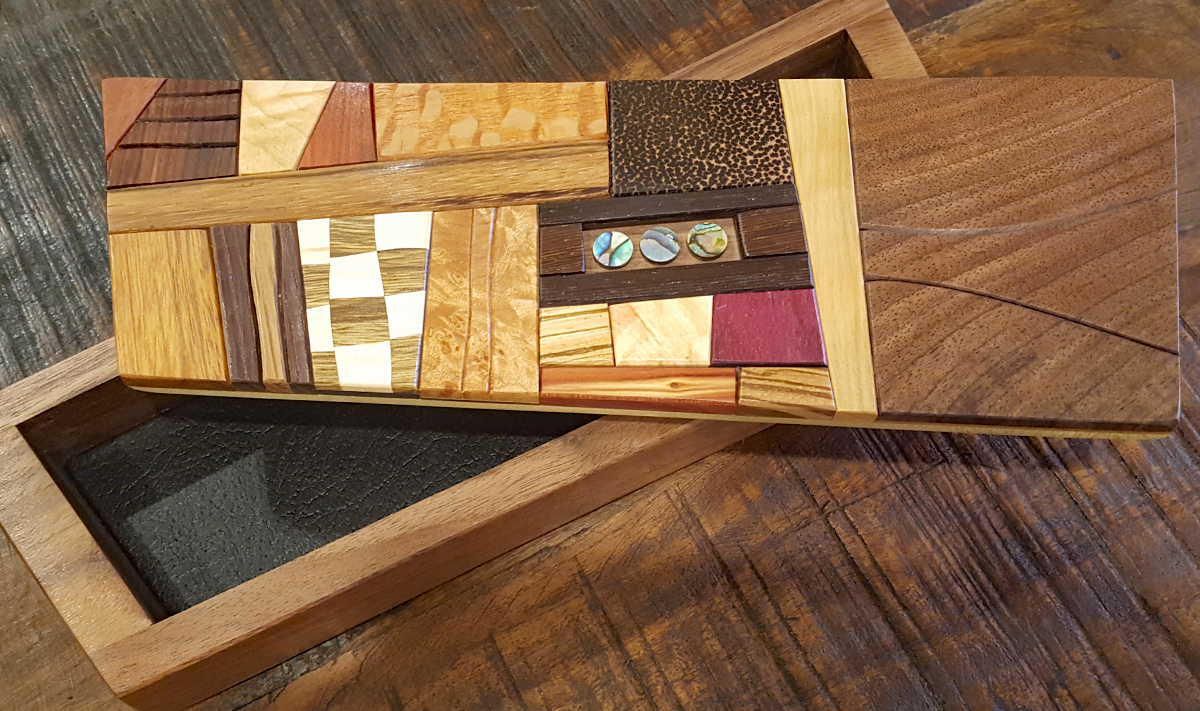 2470 Asymmetric wooden box Three Kings 1 by Larry Anderson